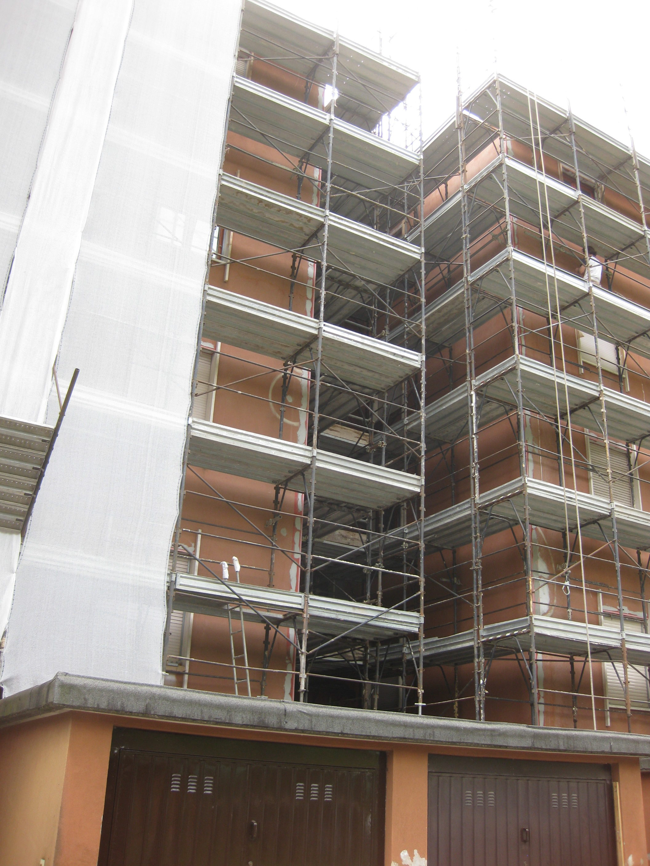 Rifacimento facciate fabbricato condominiale