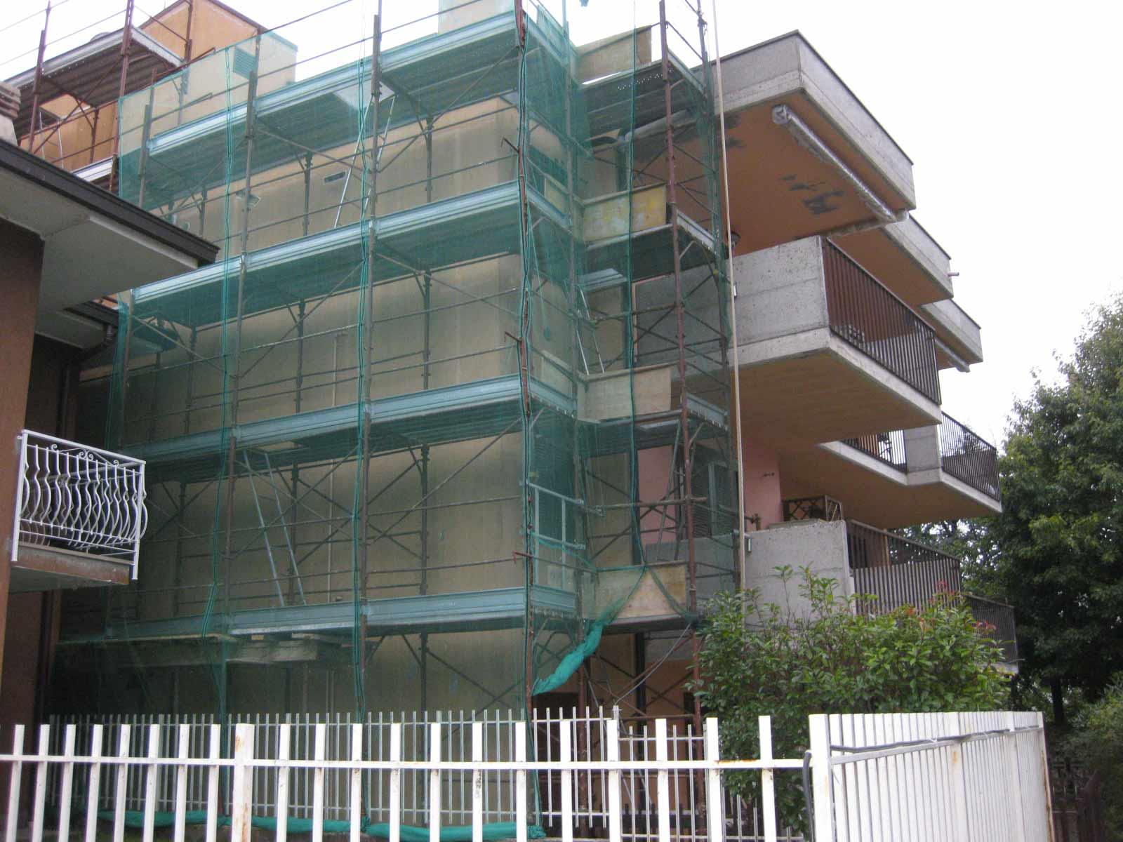 Rifacimento facciate e balconi fabbricato condominiale